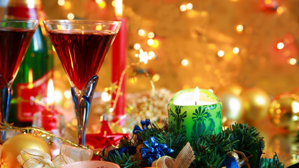 new_year_christmas_wine_candle_1248_2560x1440